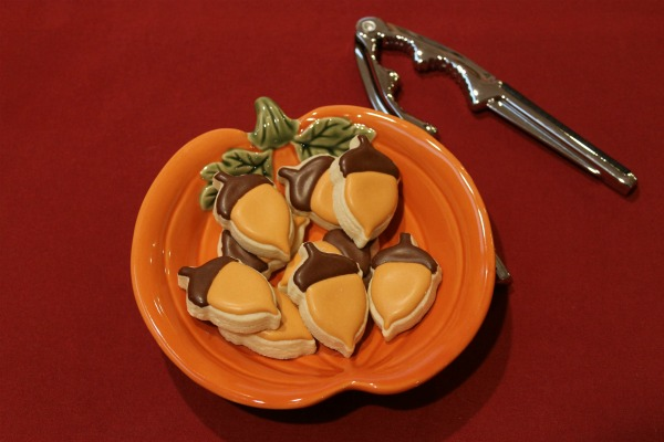 acorn shaped cookies from Sweet Themes Bakery in Kent, WA near Seattle